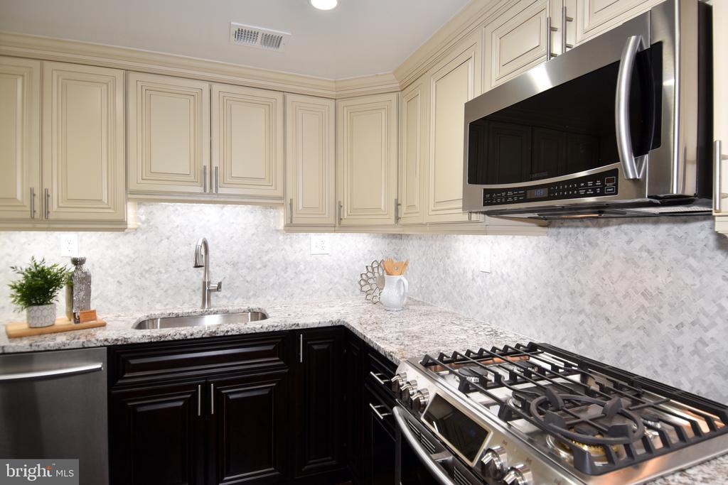 Kitchen - 602 H ST SW, WASHINGTON