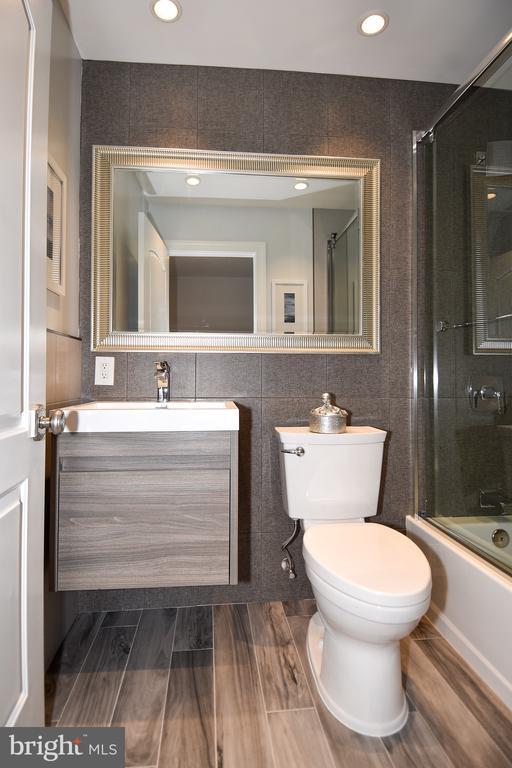 Bathroom - 602 H ST SW, WASHINGTON