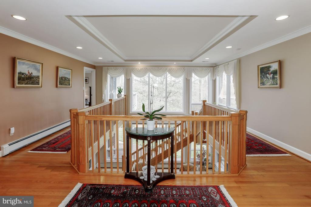 Viewpoint when you enter the home, flanking atrium - 8900 GLENBROOK RD, FAIRFAX
