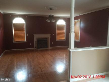 Large family room with gas fireplace - 75 CROWNCREST RD, FREDERICKSBURG