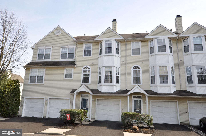 Maison unifamiliale pour l Vente à 6702 RIVERFRONT Drive Palmyra, New Jersey 08065 États-Unis