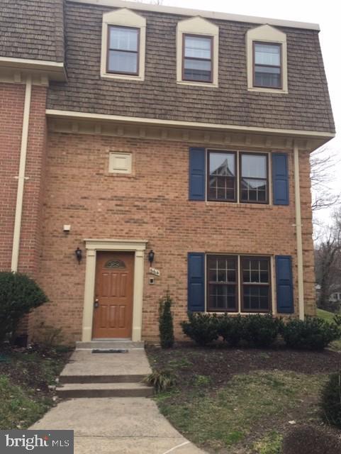 Single Family for Sale at 664 N Armistead St Alexandria, Virginia 22312 United States