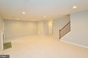 Large Rec Room with New Carpet - 20946 SANDSTONE SQ, STERLING