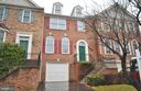 Beautiful Brick Front 1 Car Garage Townhome - 20946 SANDSTONE SQ, STERLING