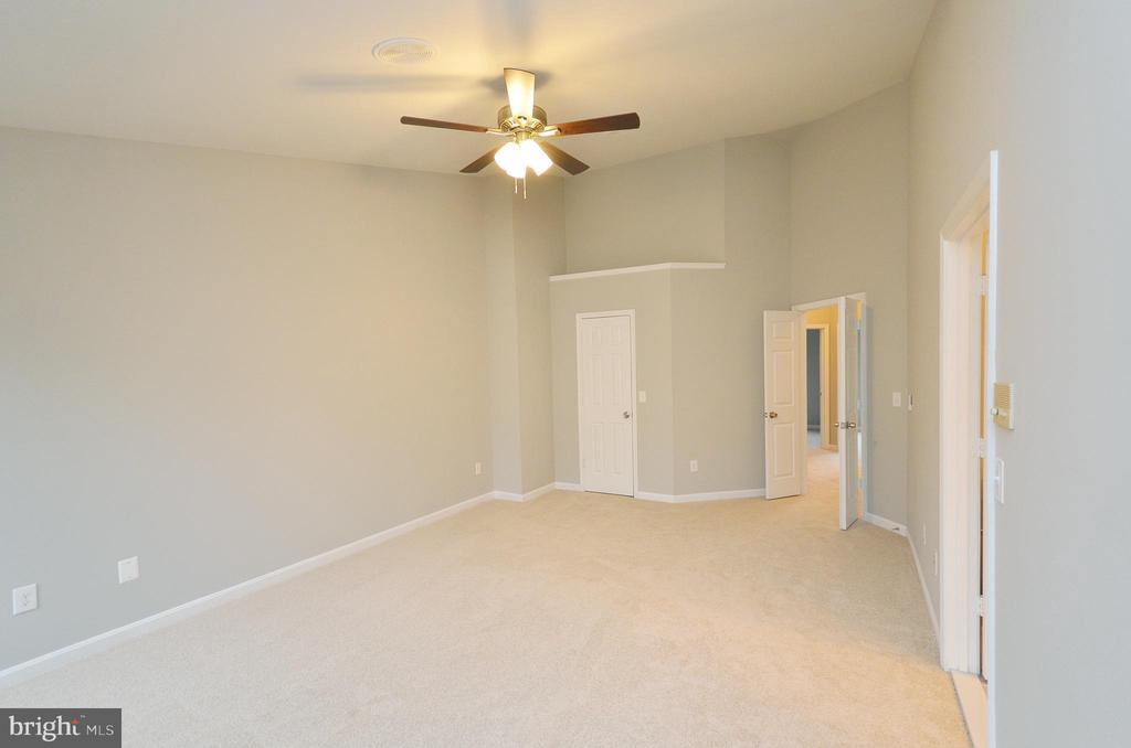 Master Bedroom - 20946 SANDSTONE SQ, STERLING