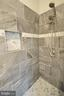 Amazing Walkin Shower - 20946 SANDSTONE SQ, STERLING