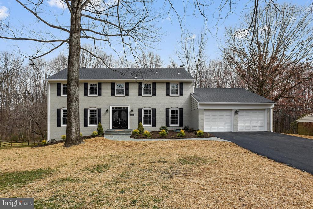 Fabulous home has been totally renovated! - 8324 OLD DOMINION DR, MCLEAN
