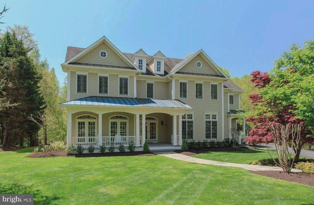 Gorgeous Updated Home on a Quiet Cul-de Sac! - 1006 BRYAN POND COURT, MCLEAN