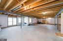 Spacious and light basement ready to finish! - 25948 DONOVAN DR, CHANTILLY