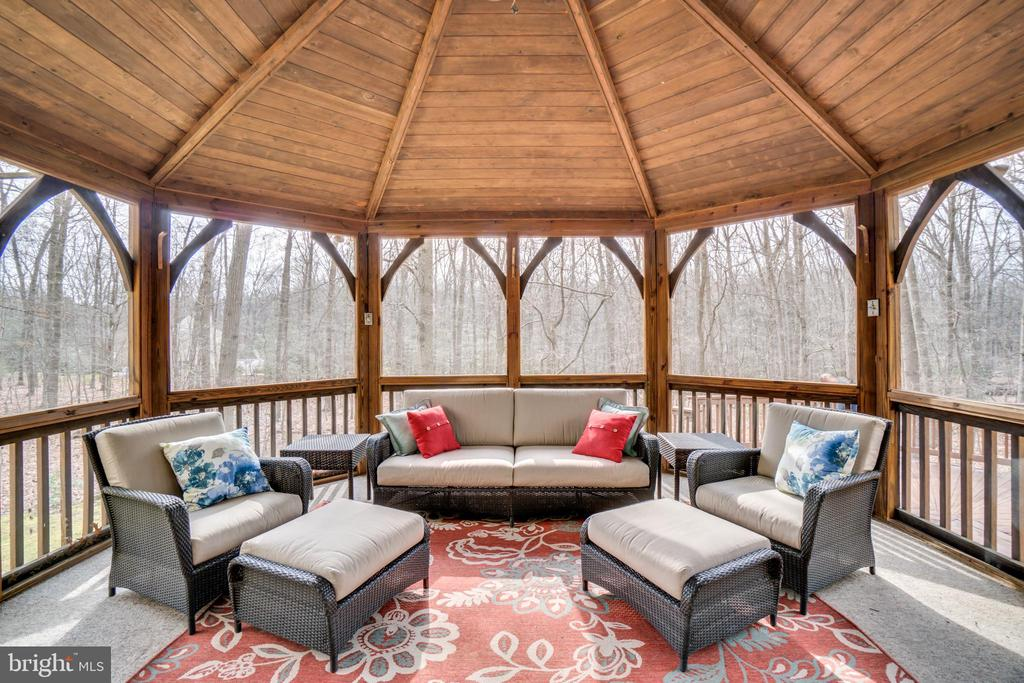 Exterior Screened in Porch - 2050 CROSSING GATE WAY, VIENNA