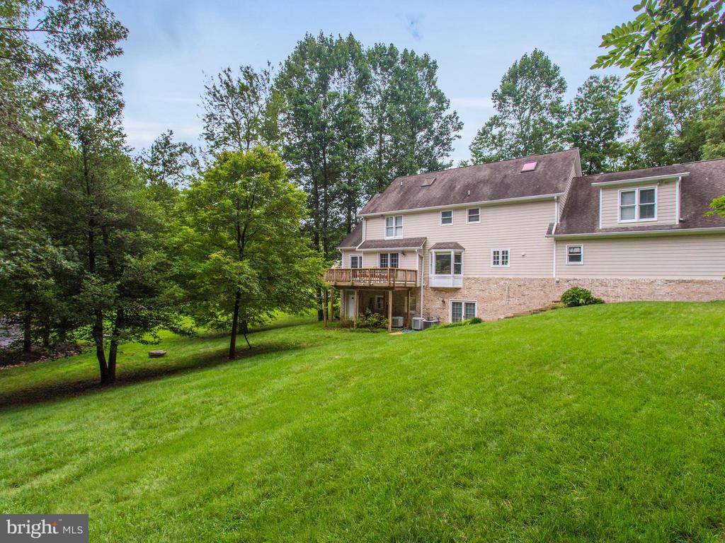 Almost an acre of privacy - 3169 MARY ETTA LN, OAK HILL