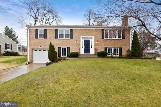 8607 COTSWOLD CT