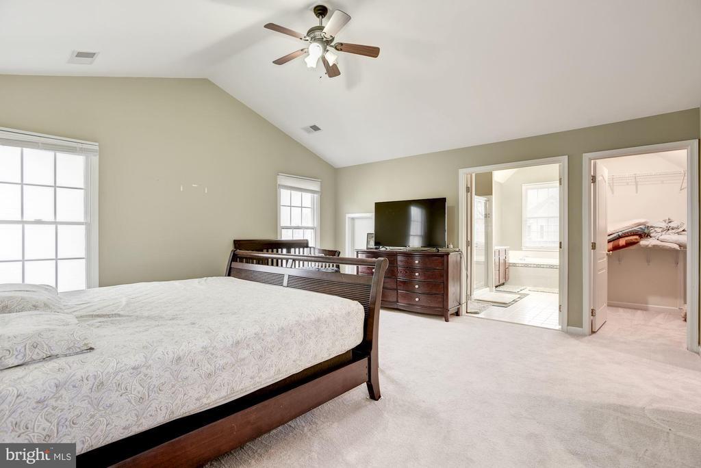 Master Bedroom - 43895 CAMELLIA ST, ASHBURN