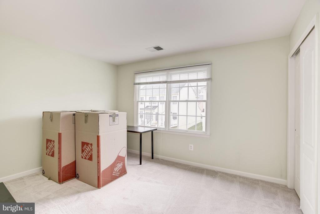 Bedroom 2 - 43895 CAMELLIA ST, ASHBURN