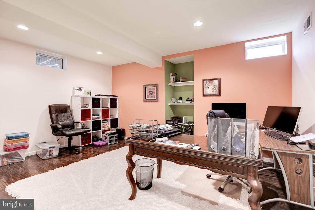 5th Bedroom or Office - 43895 CAMELLIA ST, ASHBURN