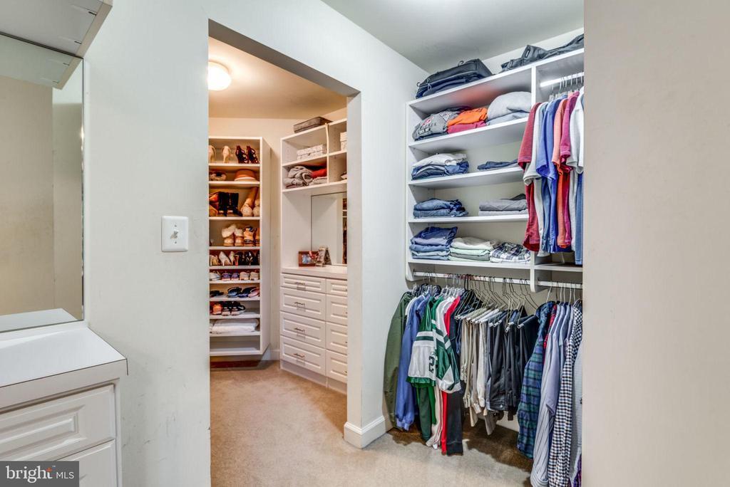 Master Bedroom closet - 20496 TAPPAHANNOCK PL, STERLING