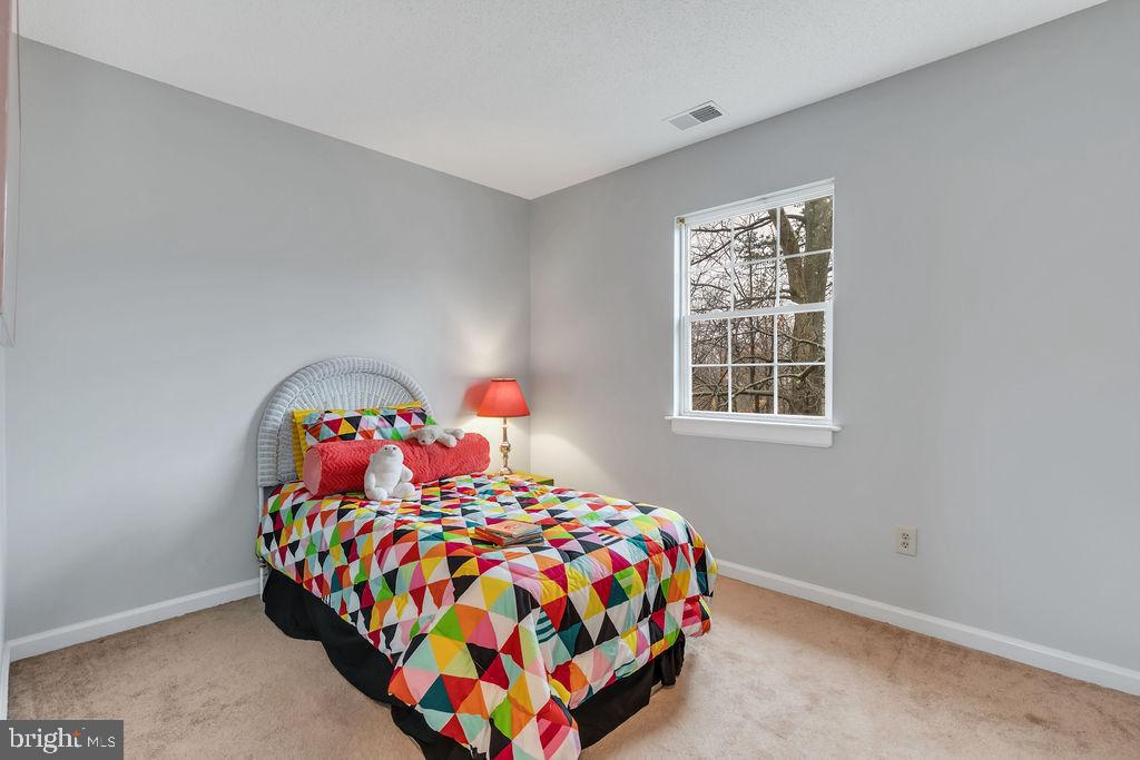 3rd bedroom - 129 HILL VALLEY DR, WINCHESTER