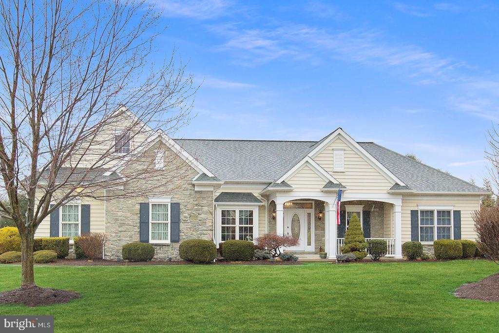 381  HARVEST DRIVE, Manheim Township in LANCASTER County, PA 17543 Home for Sale