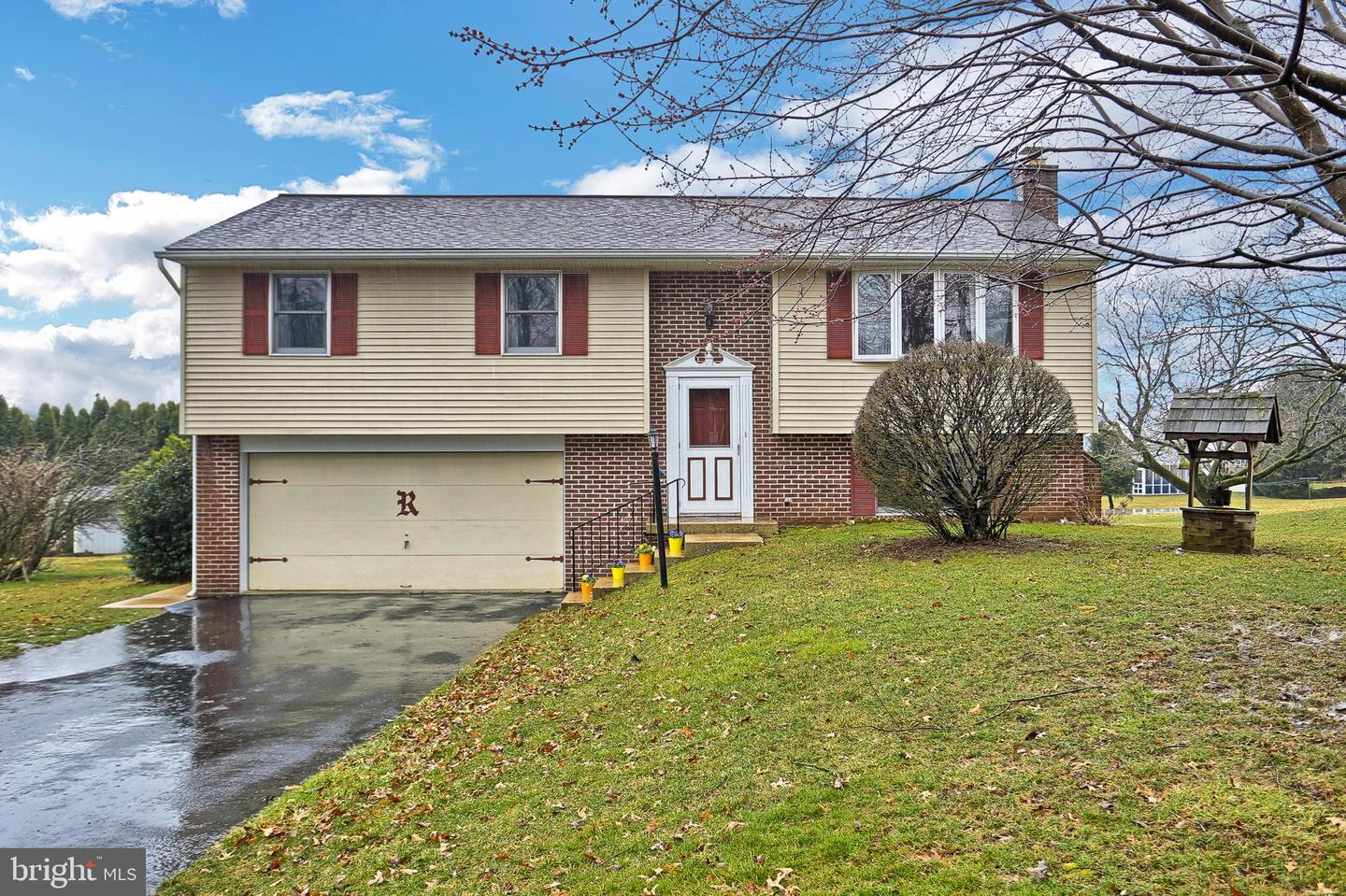 Photo of home for sale at 210 Penn Grant Road, Willow Street PA