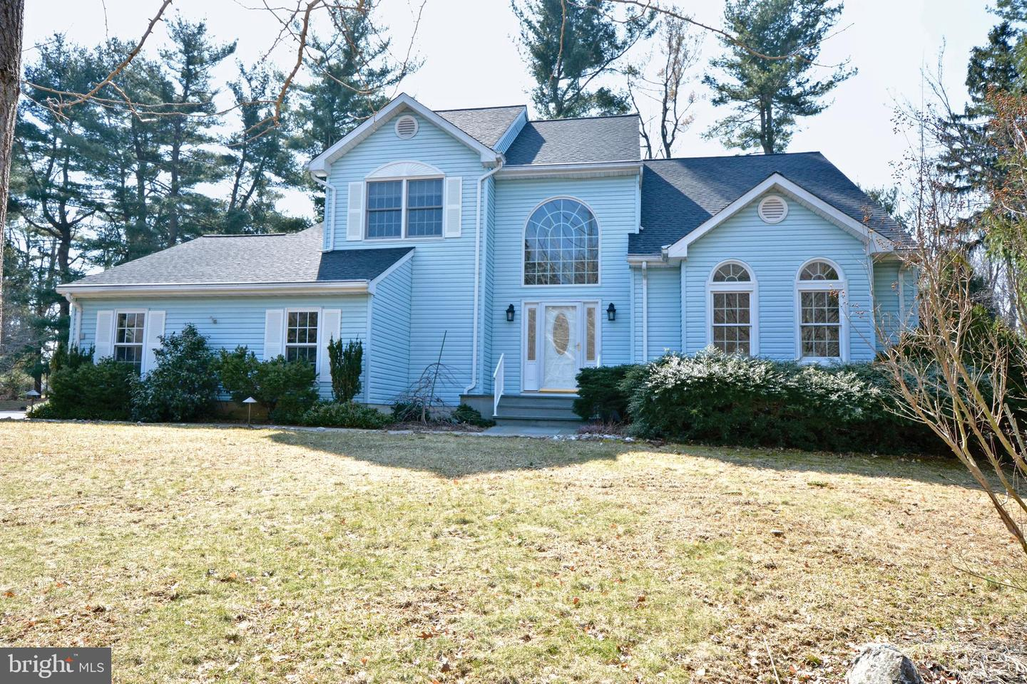 Single Family Home for Sale at Ewing, New Jersey 08638 United States
