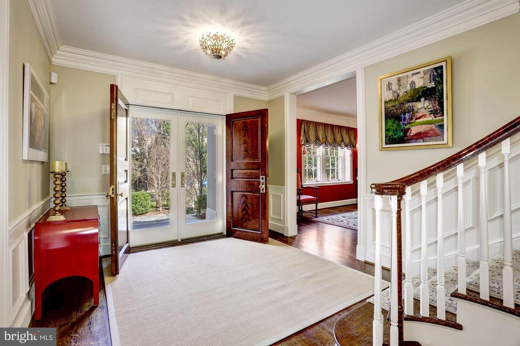 Large and Gracious Entry Foyer - 4934 INDIAN LN NW, WASHINGTON