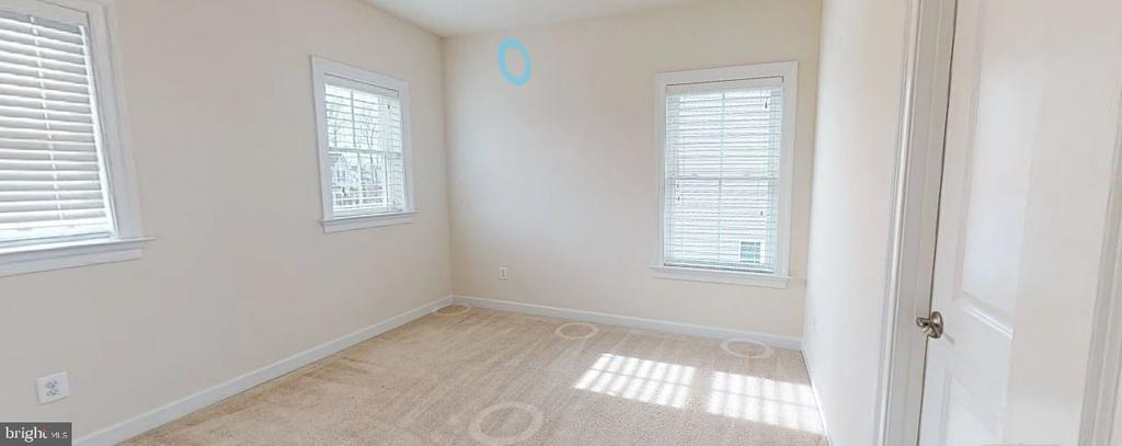 Large secondary bedrooms - 25532 EMERSON OAKS DR, ALDIE
