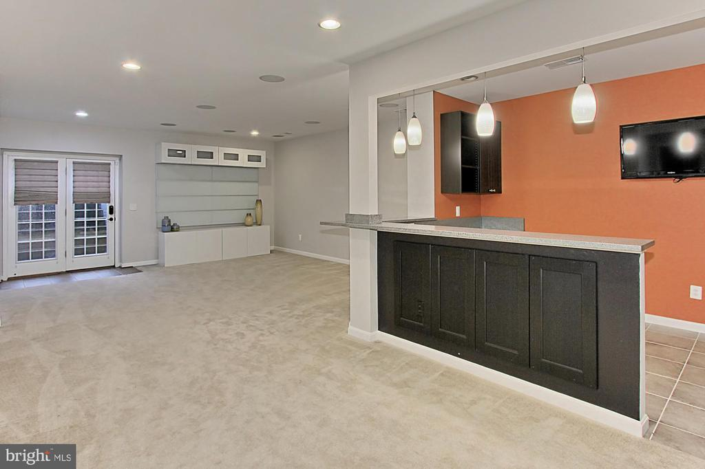Game Room/Recreation Room w/Wet Bar - 21492 GREAT SKY PL, BROADLANDS