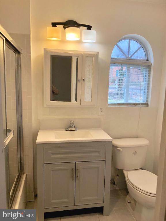 Bathroom Room #1 - 4908 CHEROKEE AVE, ALEXANDRIA