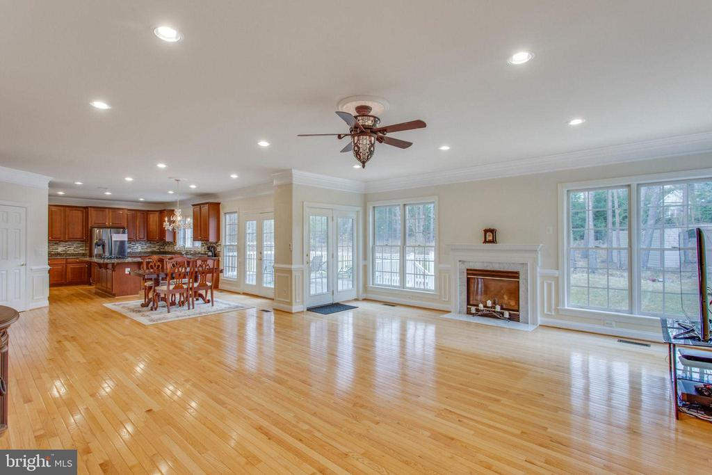 Family Room - 11607 FOREST HILL CT, FAIRFAX
