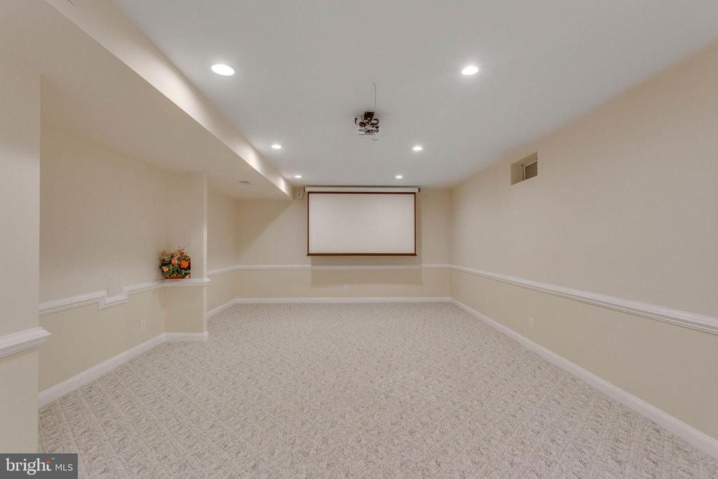 Home Theater Low Level - 11607 FOREST HILL CT, FAIRFAX