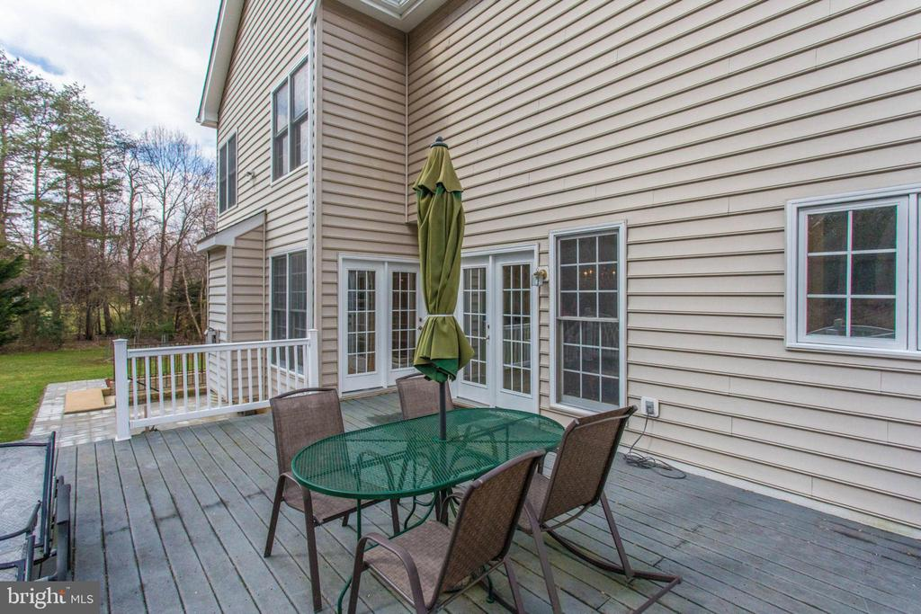 Huge Custom Deck for Party - 11607 FOREST HILL CT, FAIRFAX