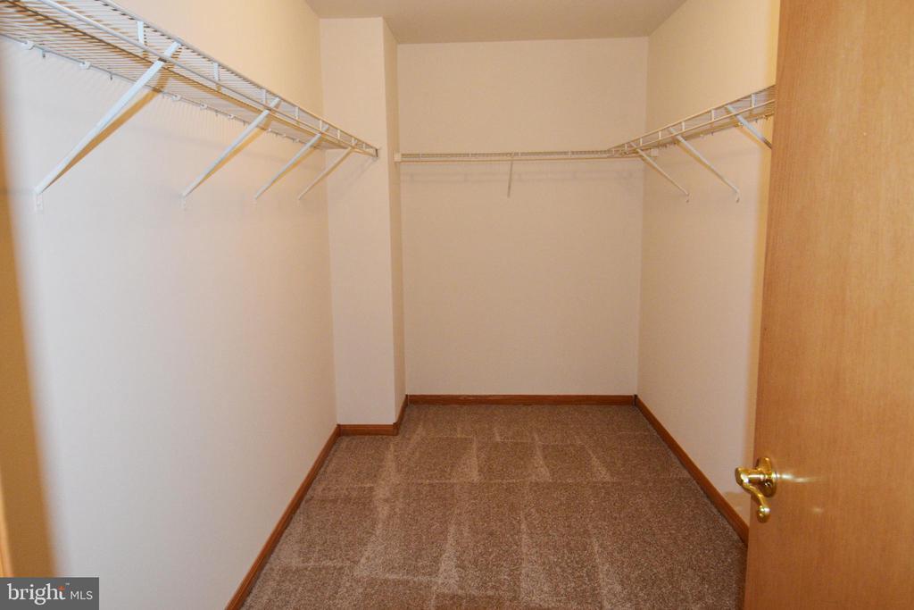 Master Closet - 11801 BLEASDELL DR, SPOTSYLVANIA