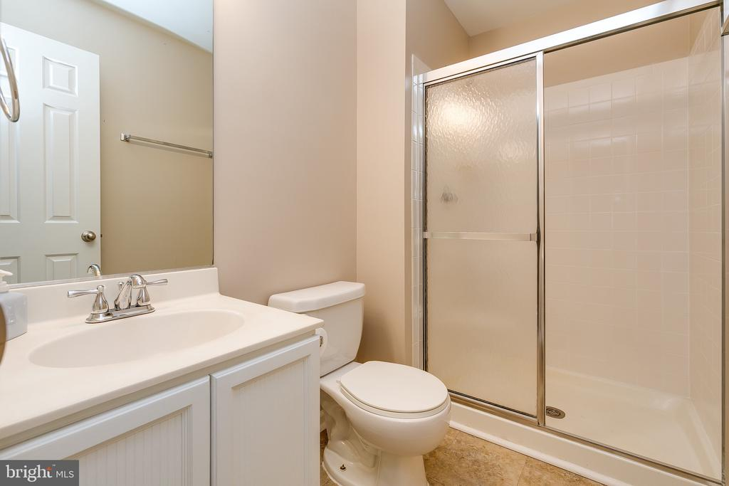 Lower Level Full Bathroom - 13309 FOXHOLE DR, FAIRFAX