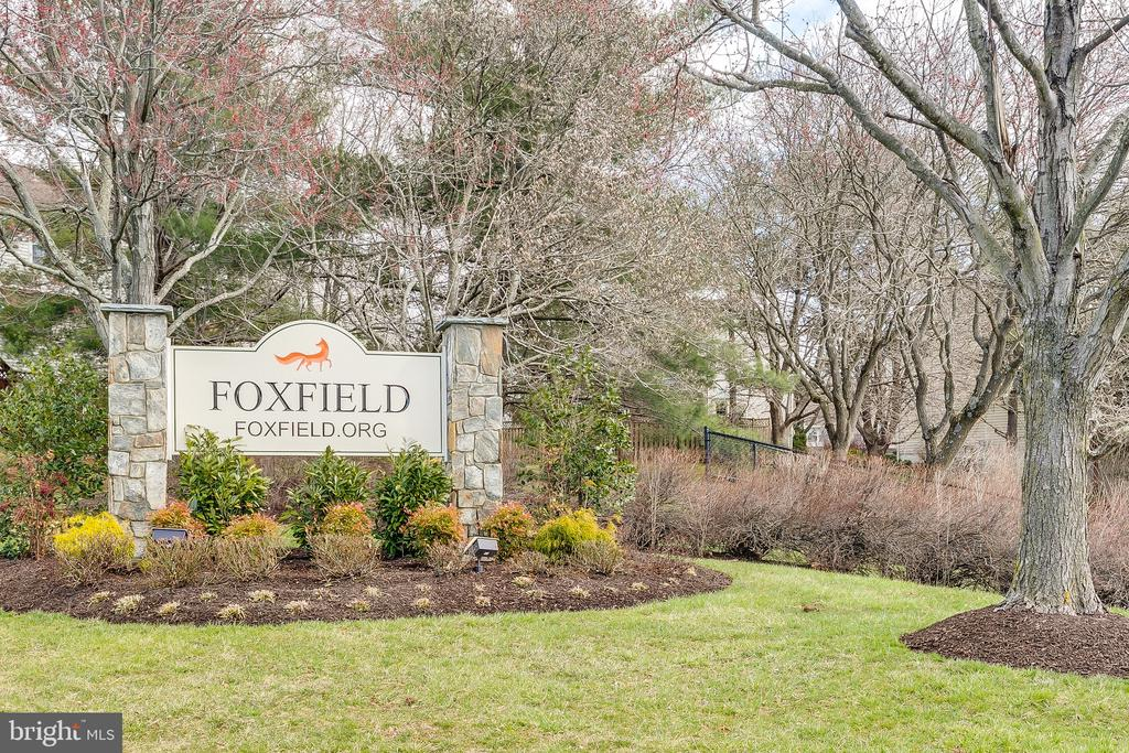 Welcome to Foxfield Community! - 13309 FOXHOLE DR, FAIRFAX