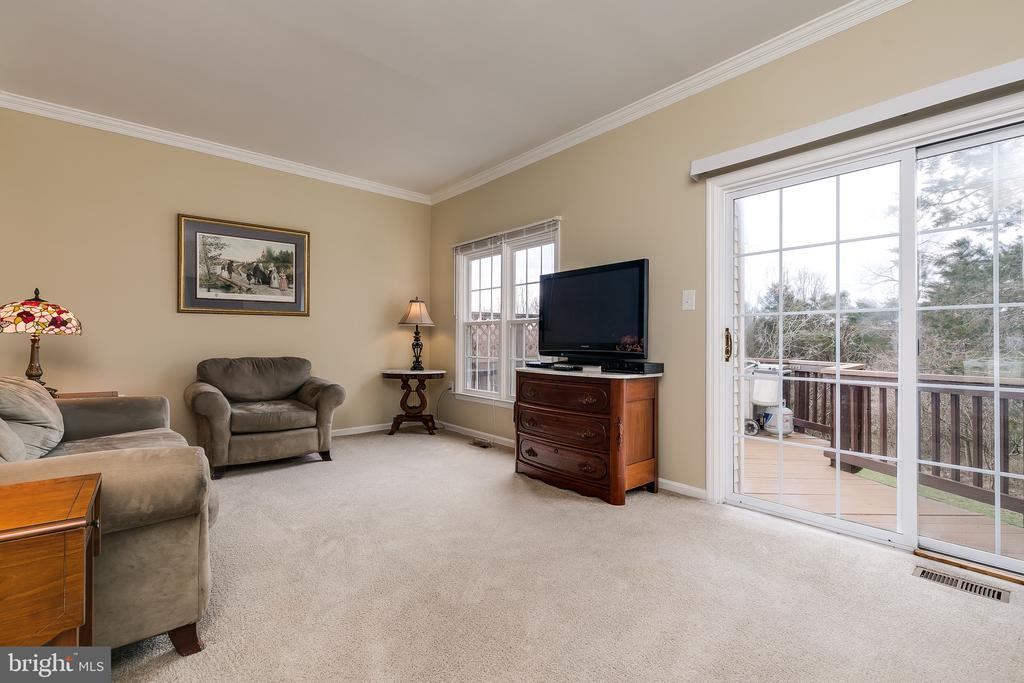 Sunken Living Room w/ Walk Out to Wood Deck - 13309 FOXHOLE DR, FAIRFAX