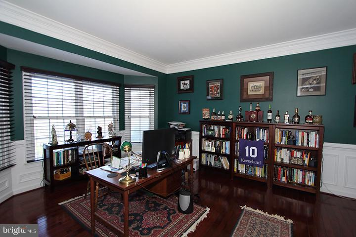 Office with french doors and custom moldings - 40674 JADE CT, LEESBURG