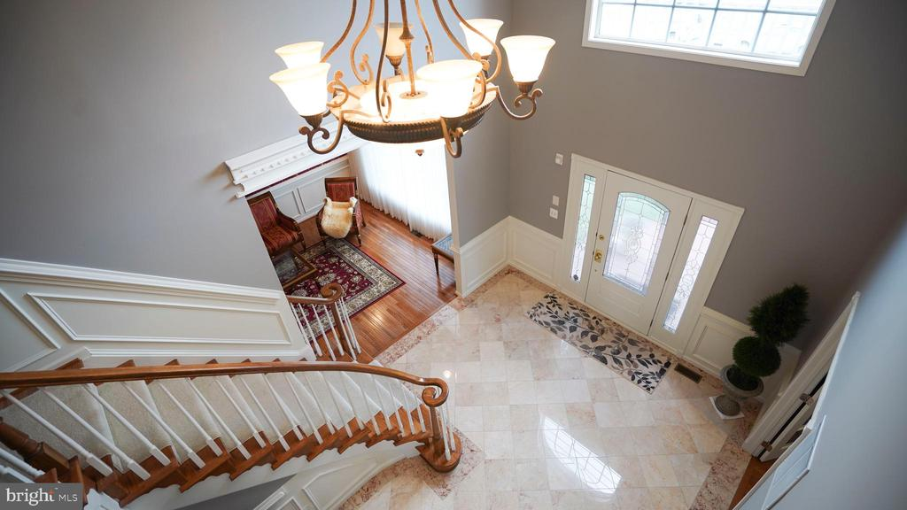 FOYER VIEW FROM 2ND FLOOR - 20563 NOLAND WOODS CT, POTOMAC FALLS
