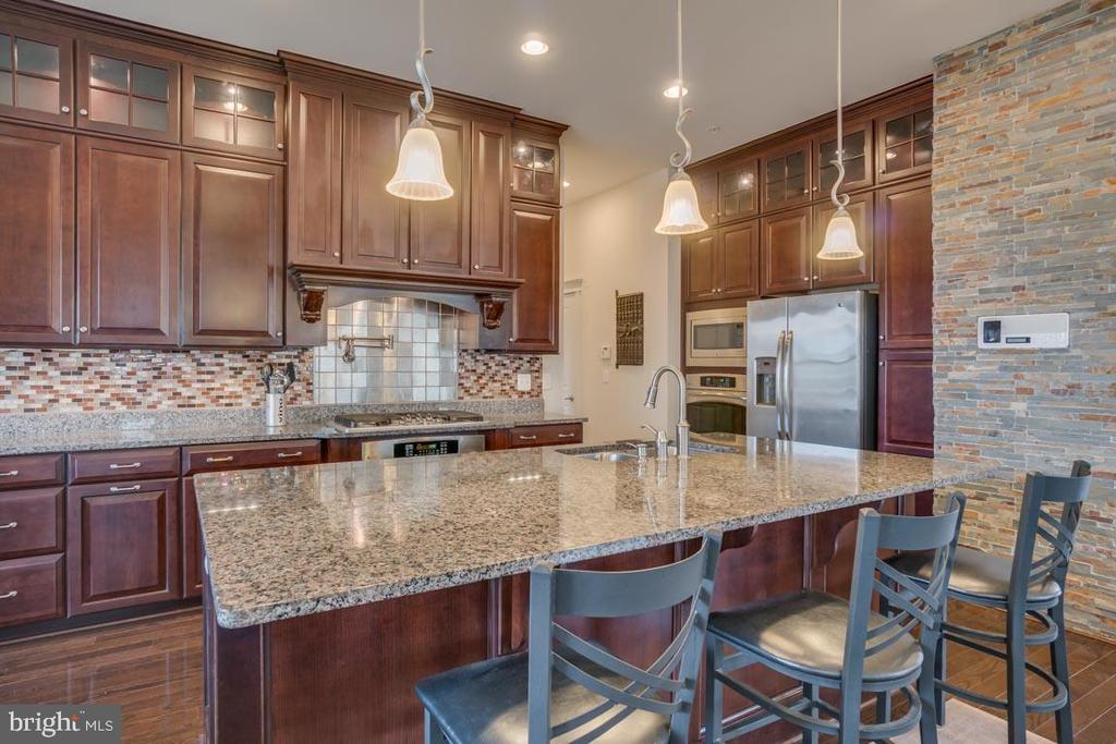 Newly updated kitchen - 2192 POTOMAC RIVER BLVD, DUMFRIES
