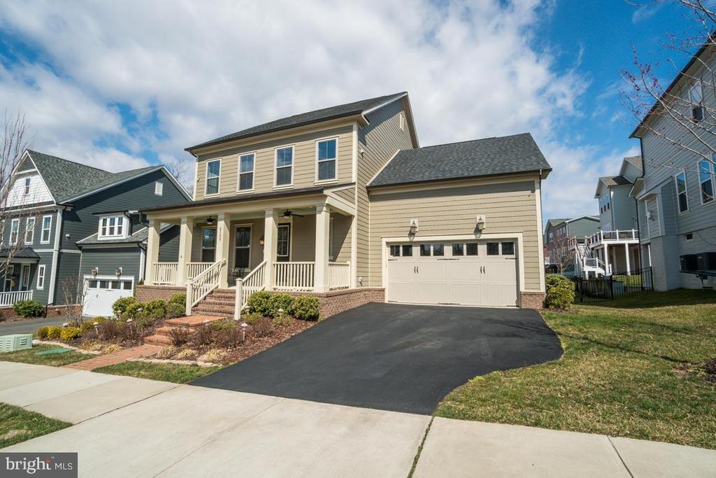 Home has curb appeal - 2192 POTOMAC RIVER BLVD, DUMFRIES