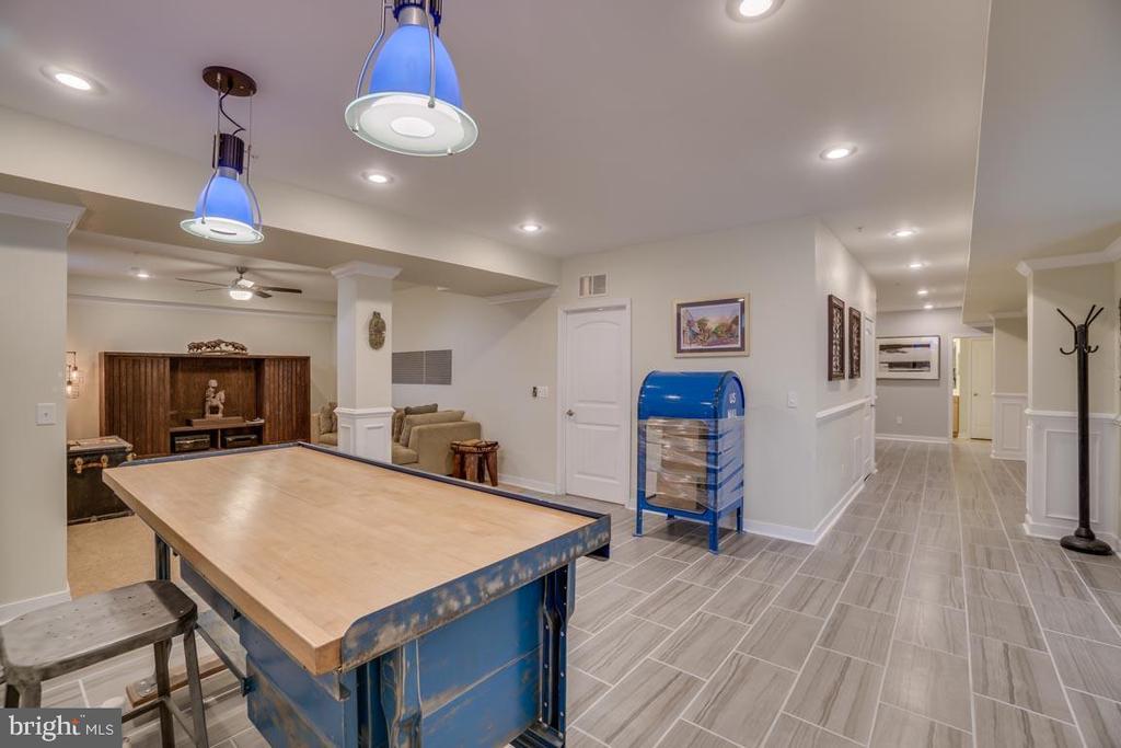 lower level open floor plan great for entertaining - 2192 POTOMAC RIVER BLVD, DUMFRIES