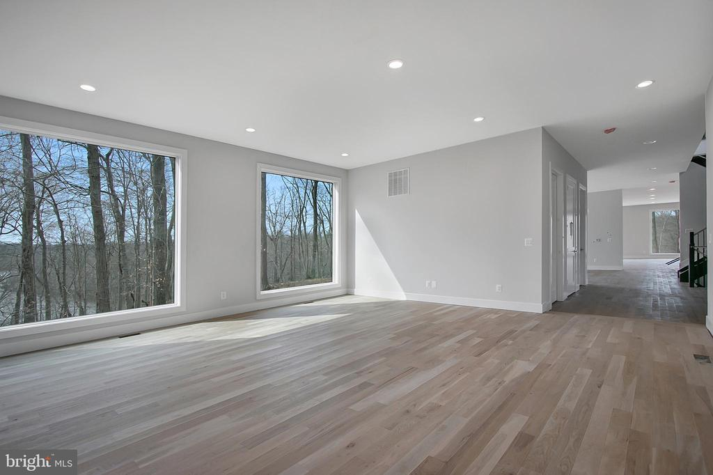 Living rm, next to dining rm- glorious view! - 6027 TULIP POPLAR CT, MANASSAS