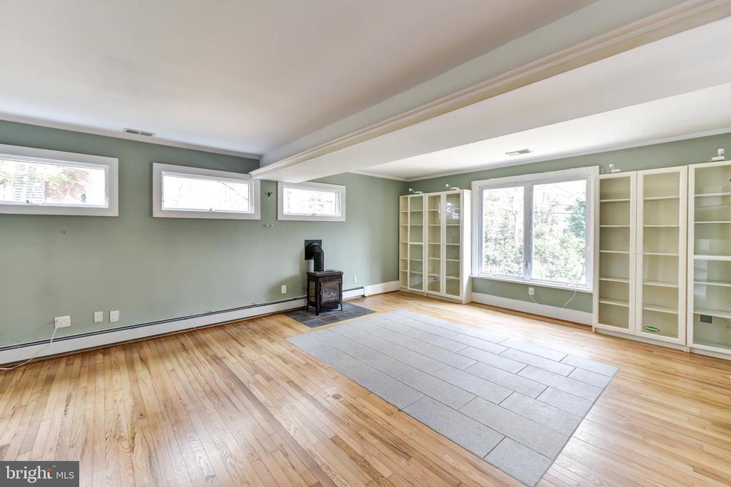 Family rm tile inserts for cooler/ warmer floors - 4104 DUNCAN DR, ANNANDALE