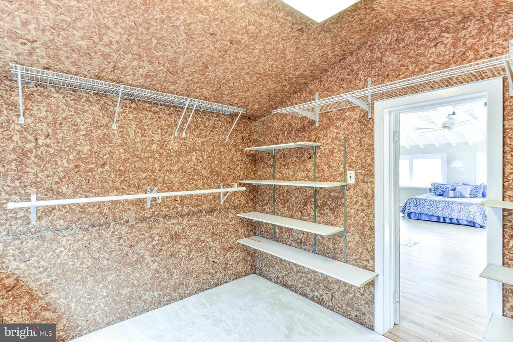 Lots of shelving and hanging space here - 4104 DUNCAN DR, ANNANDALE