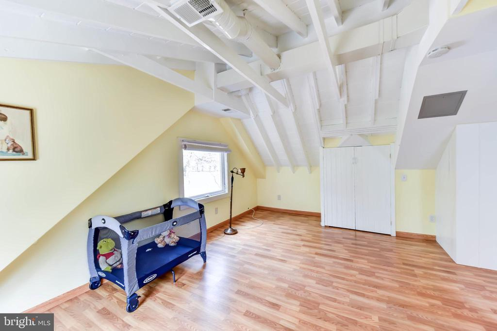 Access to attic & HVAC thru this door - 4104 DUNCAN DR, ANNANDALE