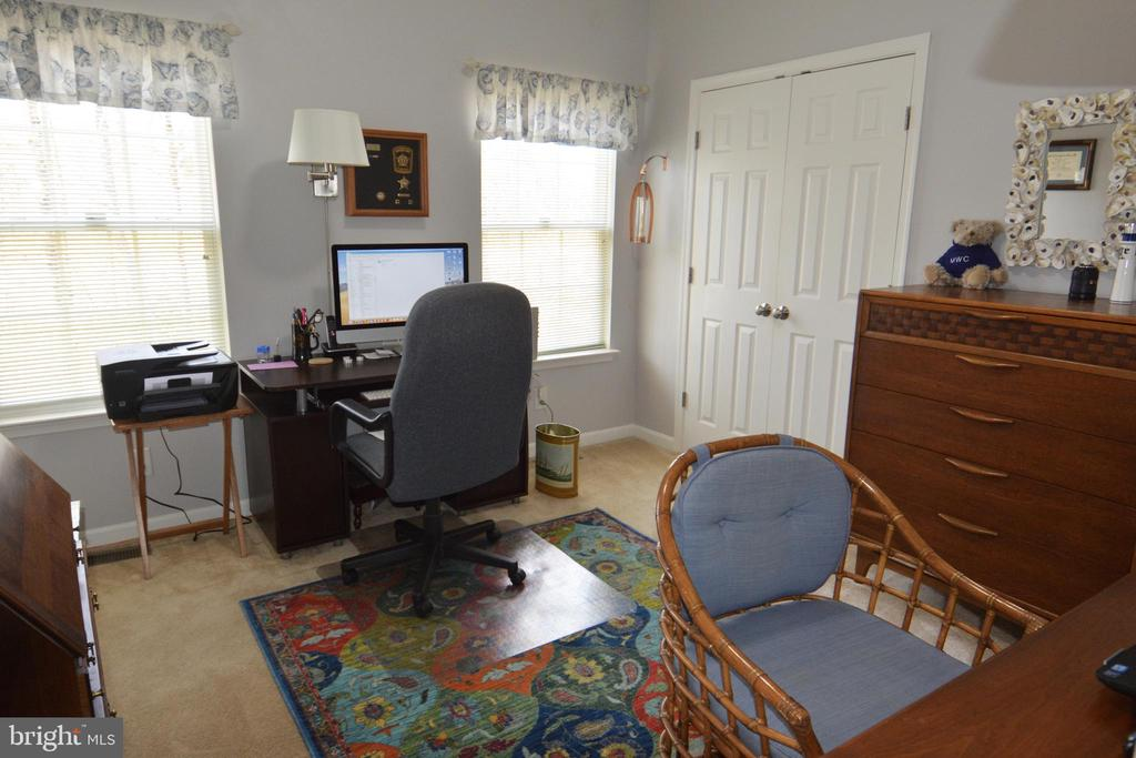 Main level second bedroom or office - 9416 EVERETTE CT, SPOTSYLVANIA