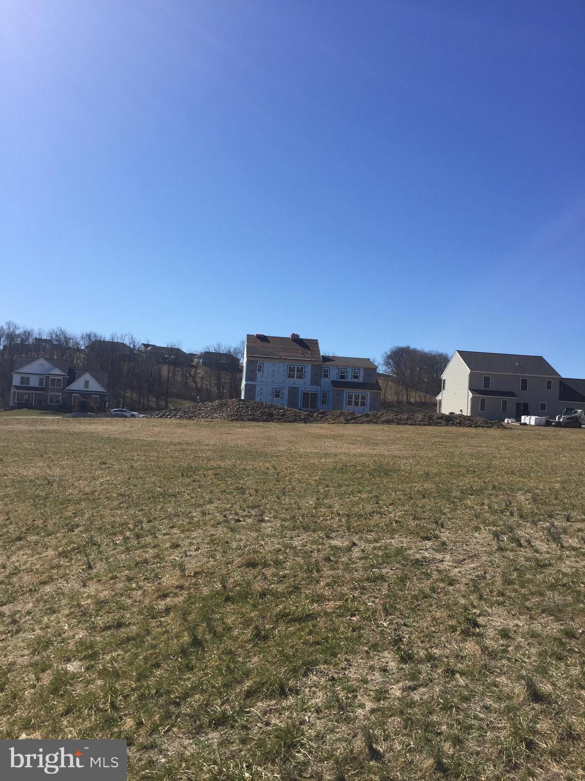 .5 acre level lot!
