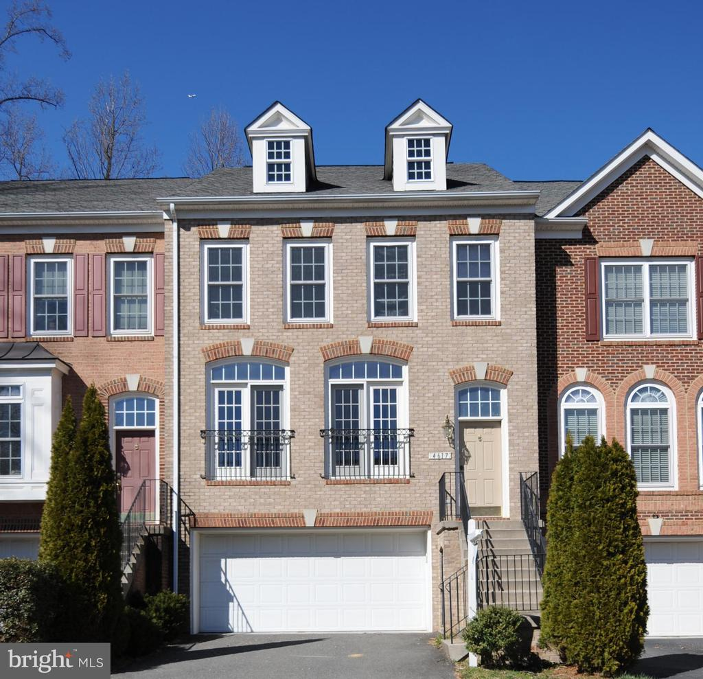 Fairfax Homes for Sale -  Townhome,  4617  CARISBROOKE LANE