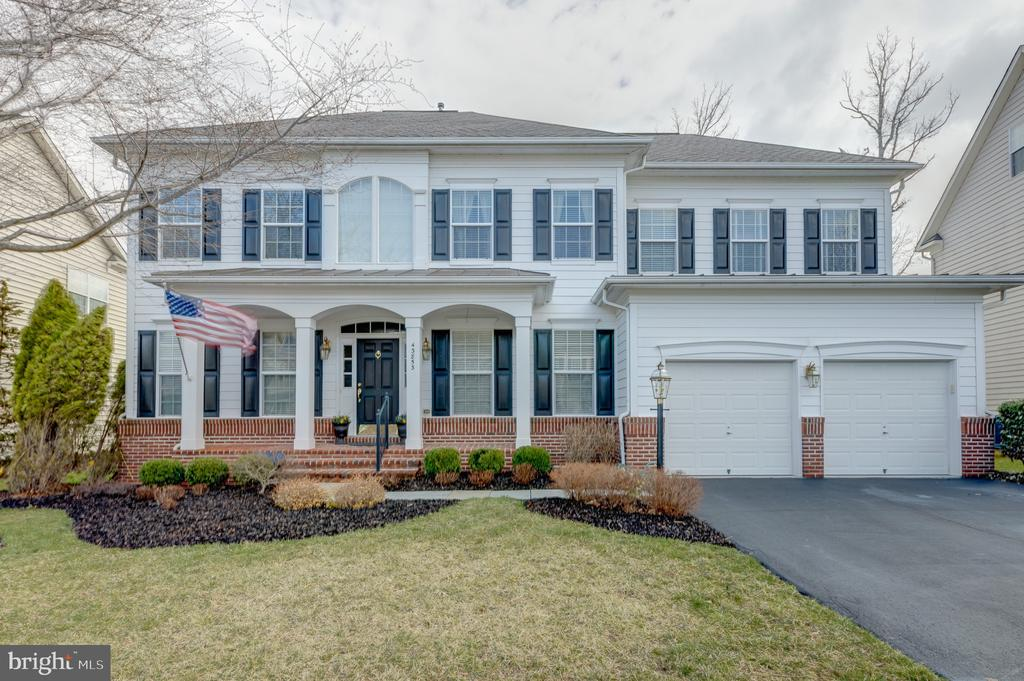 - 43853 RIVERPOINT DR, LEESBURG