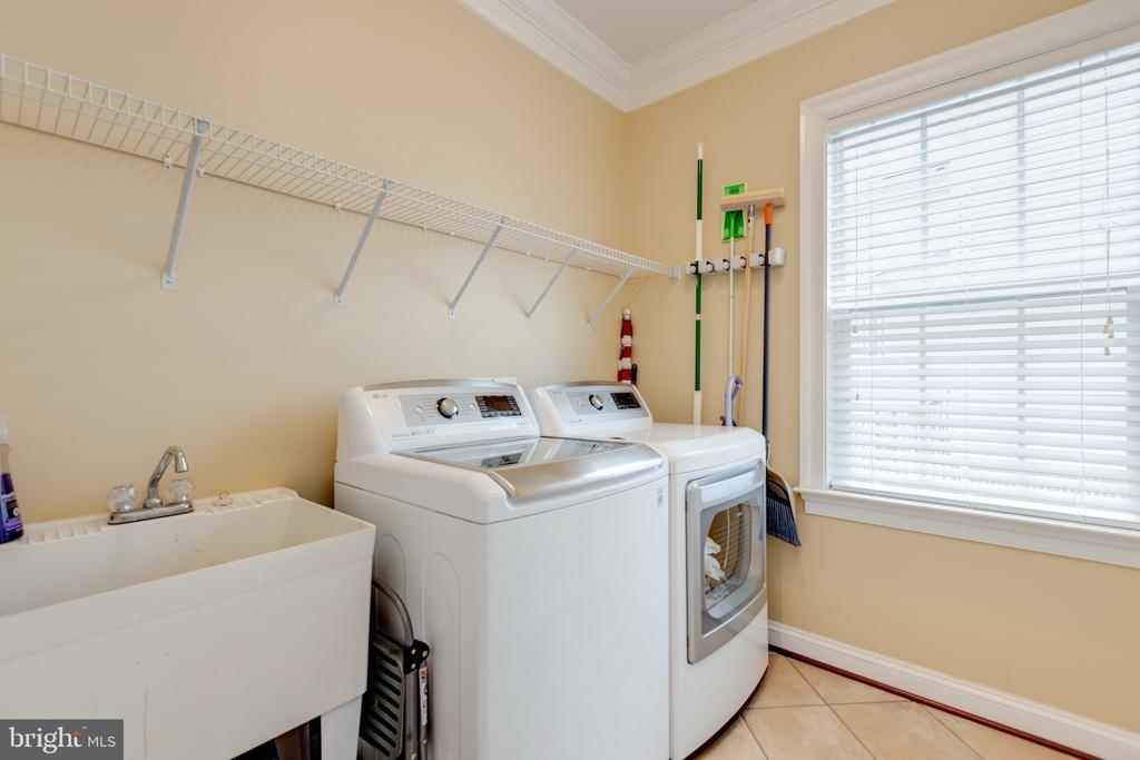 Main Laundry Room - 43853 RIVERPOINT DR, LEESBURG