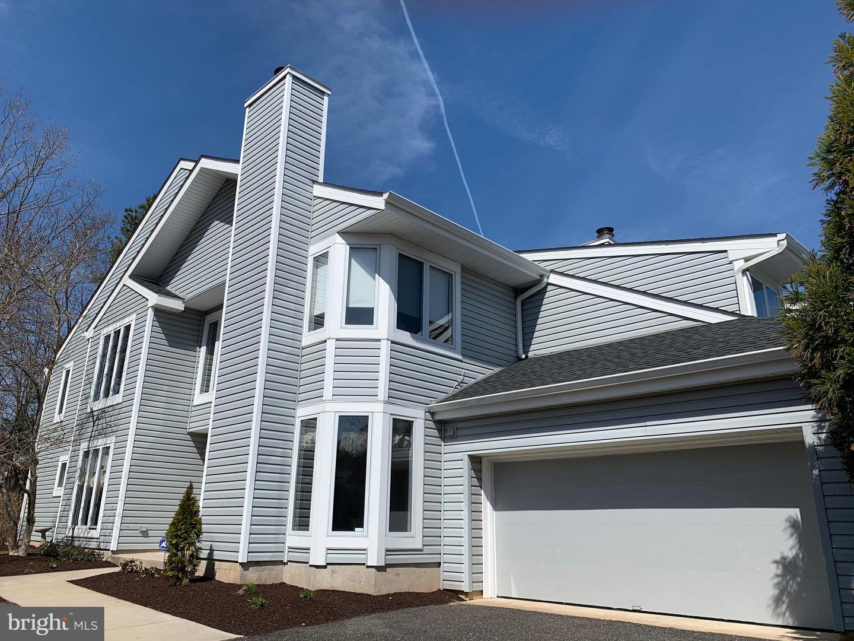 Villa per Vendita alle ore 901 CHAMPLAIN Drive Voorhees, New Jersey 08043 Stati UnitiIn/In giro: Voorhees Township